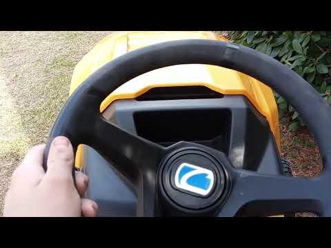 Brand new Cub cadet xt1 lt46 I lawn tractor